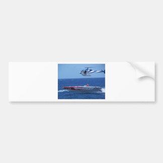 Powerboat y helicóptero costeros etiqueta de parachoque