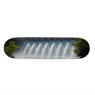 Powerful Table Rock Dam Skateboard