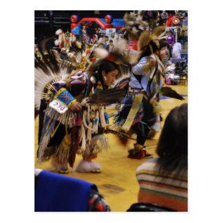 PowWow del nativo americano de la danza de guerra Tarjetas Postales