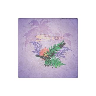 Practicando surf, diseño tropical imán de piedra