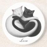 Práctico de costa adaptable de los gatos del amor posavaso para bebida