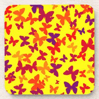 Práctico de costa amarillo colorido de las maripos posavaso