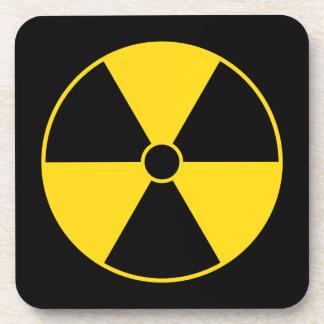 Práctico de costa amarillo del símbolo de la radia posavaso