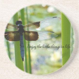 Práctico de costa azul de la libélula posavasos personalizados
