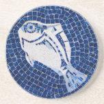 Práctico de costa azul del mosaico de los pescados posavasos diseño