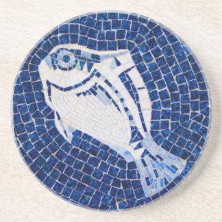 Práctico de costa azul del mosaico de los pescados posavasos manualidades