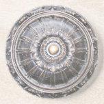 Práctico de costa de bronce gótico del medallón de posavasos manualidades