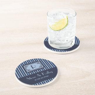 Práctico de costa de encargo con monograma rayado  posavaso para bebida