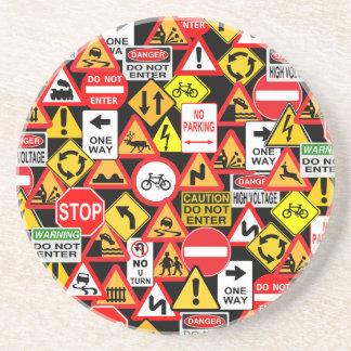 Práctico de costa de las señales de tráfico posavasos de arenisca