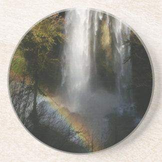 Práctico de costa de plata de la cascada y del arc posavasos diseño
