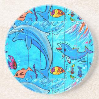 práctico de costa de risa del azul de los delfínes posavaso para bebida