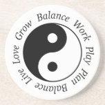 Práctico de costa de Yin Yang de la balanza Posavasos Diseño