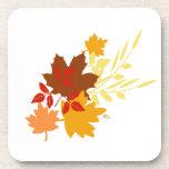 Práctico de costa del corcho de las hojas de otoño posavaso