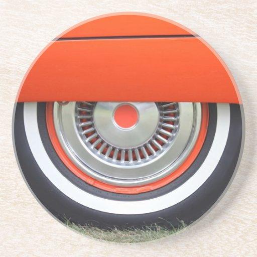 práctico de costa del neumático de coche antiguo posavasos de arenisca