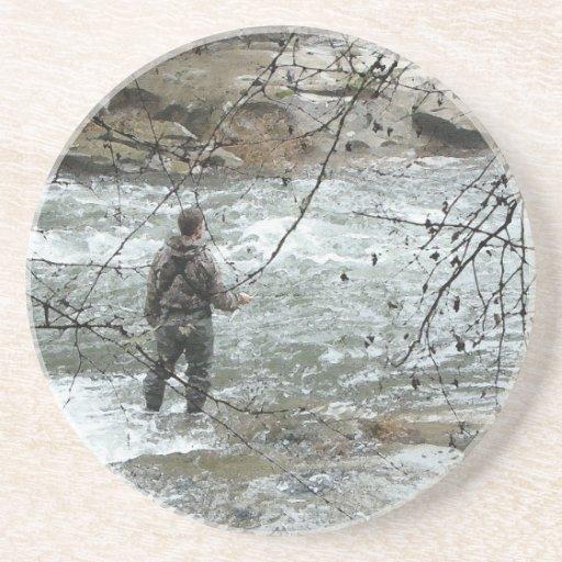 Práctico de costa del pescador de la mosca posavasos diseño