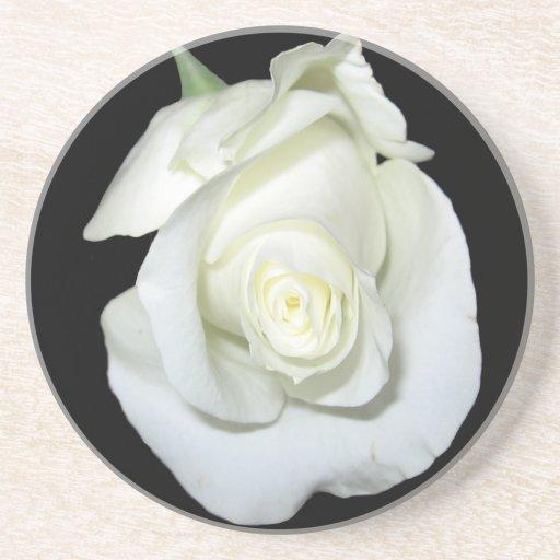 Práctico de costa del rosa blanco posavaso para bebida