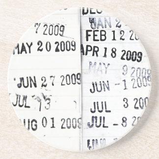 Práctico de costa del sello de fecha de la bibliot posavasos diseño