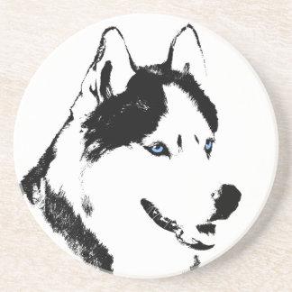 Práctico de costa fornido del perro de trineo del posavasos diseño