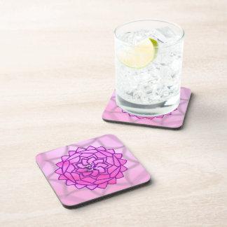 Práctico de costa rosado y púrpura de la mandala d posavasos de bebidas