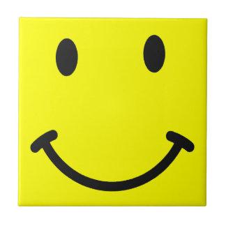 Práctico de costa sonriente amarillo de la teja de