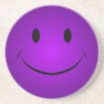 Práctico de costa sonriente púrpura posavasos diseño