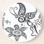 Práctico de costa tribal del diseño de la mariposa posavasos cerveza