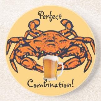 Prácticos de costa cocidos al vapor del cangrejo y posavasos personalizados