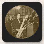 Prácticos de costa de la fotografía del saxofón posavasos de bebidas