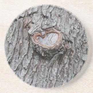 Prácticos de costa del corazón del árbol posavasos diseño