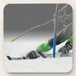 Prácticos de costa gigantes de la raza de esquí de posavasos de bebida