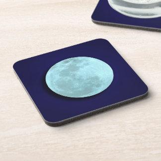 Prácticos de costa llenos de la luna azul posavasos