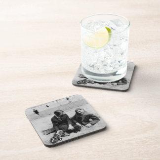 Prácticos de costa plásticos duros negros de la pr posavasos de bebida