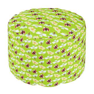 Prado del pattern_lime de Wing-Nutz™_Fluttering Puf Redondo