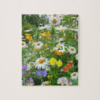Prado hermoso del Wildflower y de la mariposa Rompecabeza Con Fotos