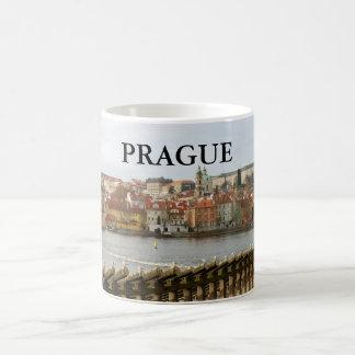 Praga - castillo II Taza Básica Blanca