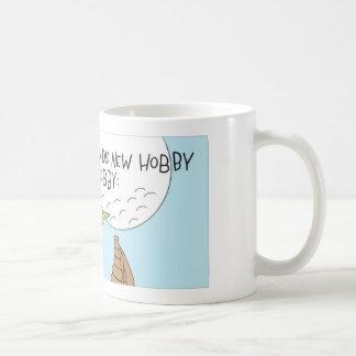 Praying mantis finds a new hobby coffee mug