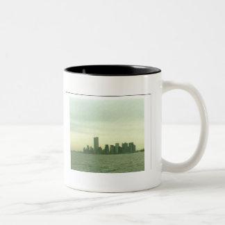 Pre 9/11/01 New York skyline mug