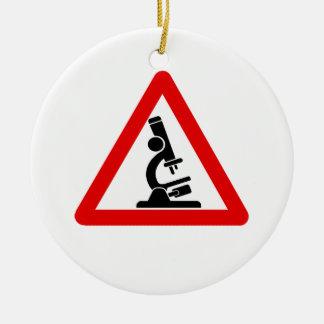 Precaución:  ¡CIENCIA! Adorno Navideño Redondo De Cerámica