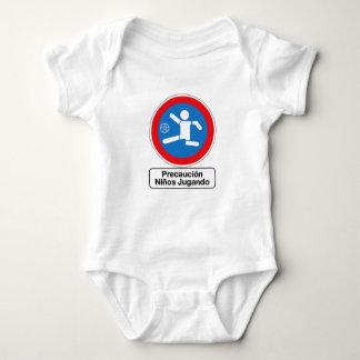 Precaución que juega a los niños, señal de body para bebé