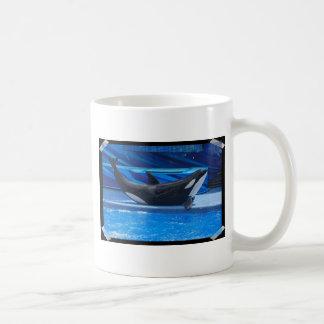 Presentación de la taza de café de la orca