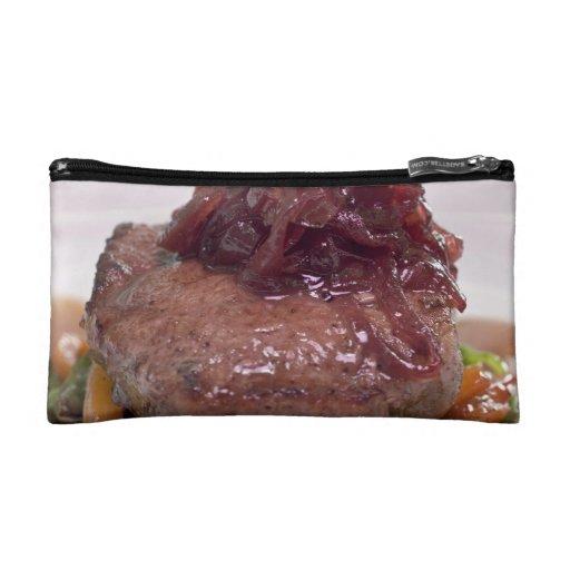 Presentación deliciosa del prendedero de la carne