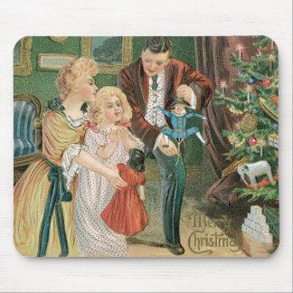 Presentes de la abertura de la familia en navidad alfombrilla de ratón