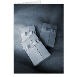 Presentes del blanco tarjeta de felicitación