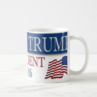 Presidente 2016 de Donald Trump Taza Básica Blanca
