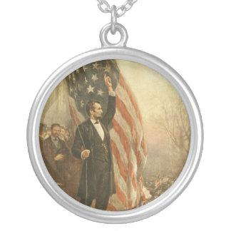 Presidente Abraham Lincoln debajo de la bandera am Grimpolas