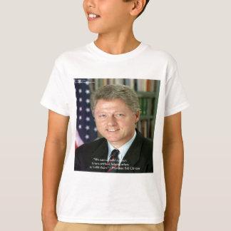 """Presidente Clinton a """"que ayuda otros"""" regalos de Playera"""