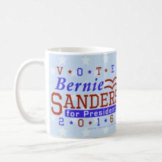 Presidente de las chorreadoras de Bernie elección Taza Básica Blanca