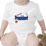 Presidente futuro con la camisa de las estrellas