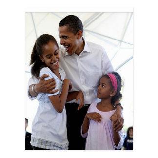 Presidente Obama Father y hijas Postal