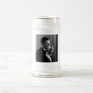 Presidente Reagan Making A Toast Jarra De Cerveza
